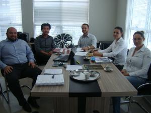 Na foto: Carlos (Admilar), Jin Suk Park (Diretor – Lorenpark), Felipe Abreu (Coordenador Contábil/Fiscal – Auditar), Silvana e Susana Barreto (Administrativo/Financeiro – Lorenpark).